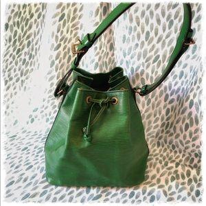 Louie Vuitton Petit Noe Handbag